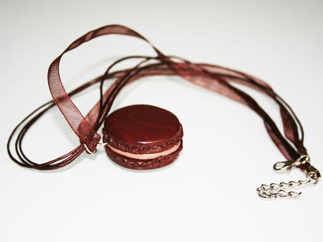 Collier Macaron chocolat