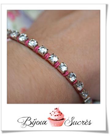 diy cr er un bracelet en strass et cordons bijoux sucr s. Black Bedroom Furniture Sets. Home Design Ideas